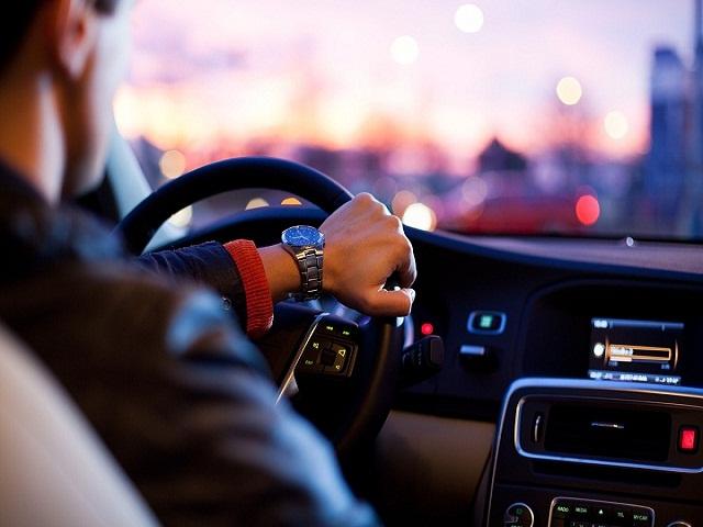 driver-1149997_1280